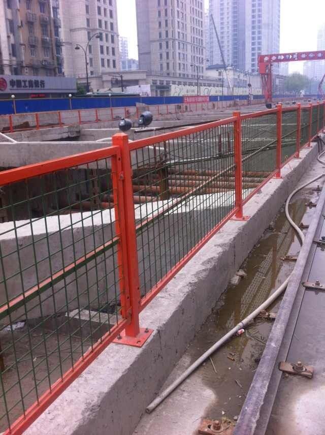 锌合金房门_道路彩钢护栏|杭州川亚建筑材料有限公司